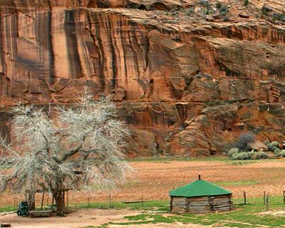 canyon de chelly navajo hogan