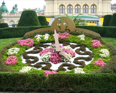 austria vienna flower clock