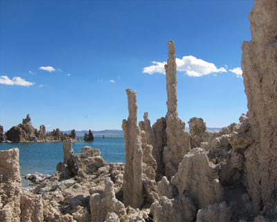mono lake tufa like alien world