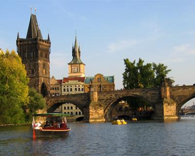 prague boating vltava river