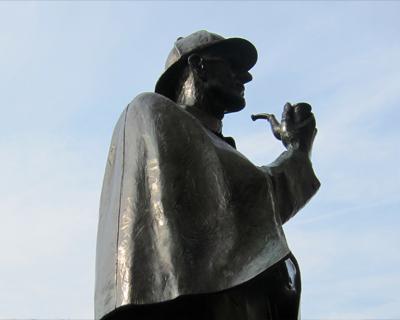 sherlock holmes statue baker street station london