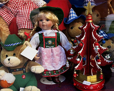 dolls and toy bears munich christmas