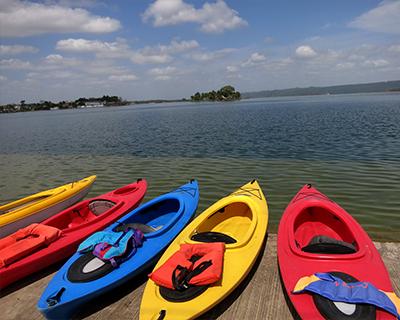 lake peten flores kayaks