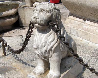 bergamo lion fountain