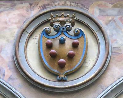 medici coat of arms palazzo vecchio courtyard