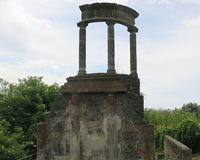 necropolis tombs mausoleums pompeii