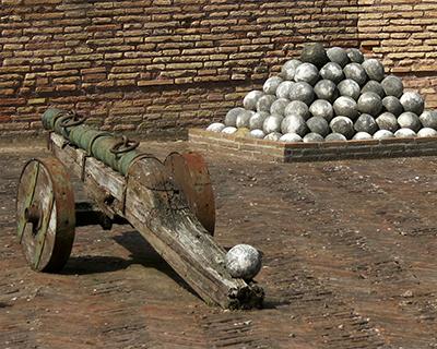 castel sant' angelo cannon cannonballs