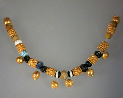 palazzo massimo alle terme golden necklace