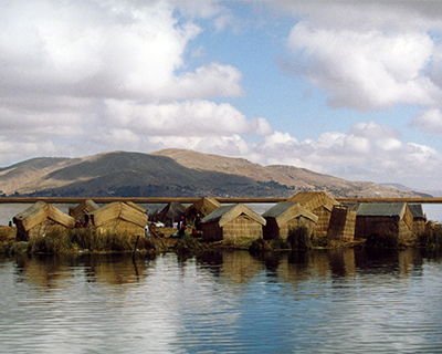 uros floating islands lake titicaca peru