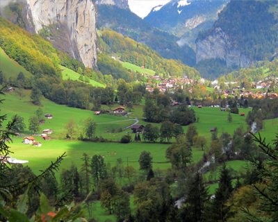 lauterbrunnen valley panorama