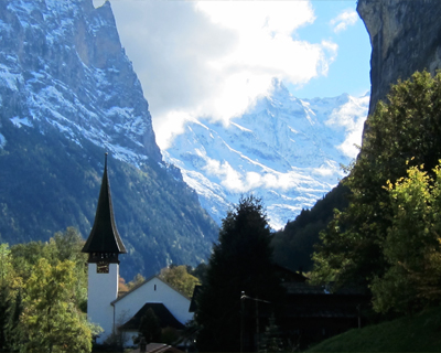 lauterbrunnen village switzerland