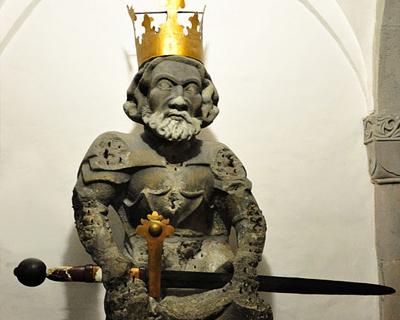 statue charlemagne grossmunster zurich