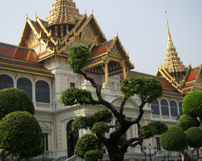 bangkok grand palace topiary thinang chakri maha prasat