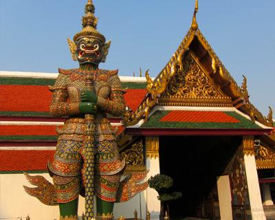 guardian giant kat phra kaew bangkok