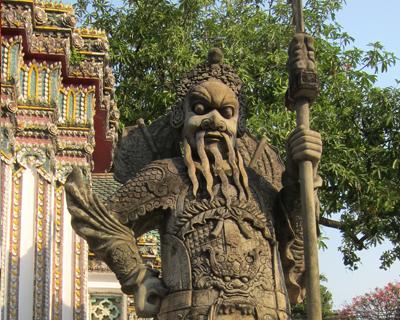 bangkok wat pho chinese giant