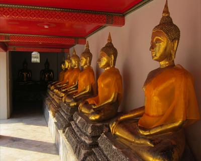 bangkok wat pho golden buddhas