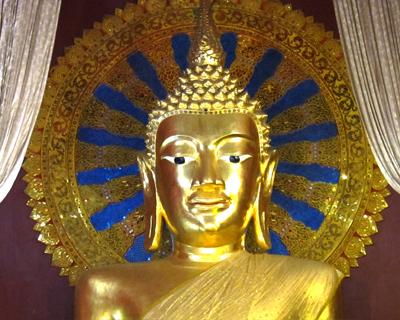 chiang mai wat phra singh buddha main viharn