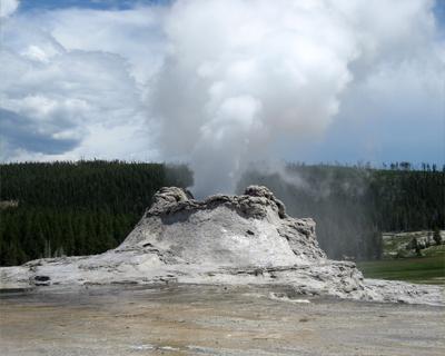 yellowstone castle geyser