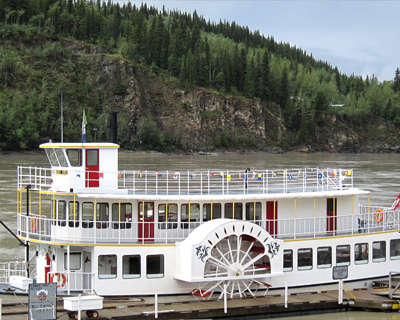 paddlewheeler yukon river dawson city